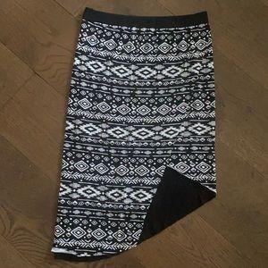 Mid length pattern skirt.